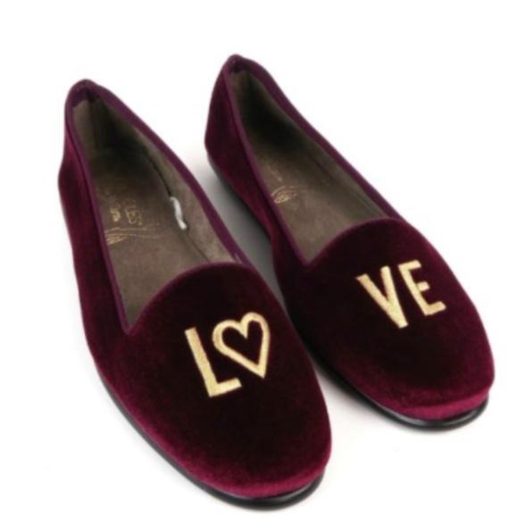 c1a2425ff517 AEROSOLES Shoes - Aerosoles Burgundy Velvet Flat Loafer LOVE Size 9